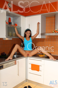 ALS Scan Organic Iwia & Tess Lyndon