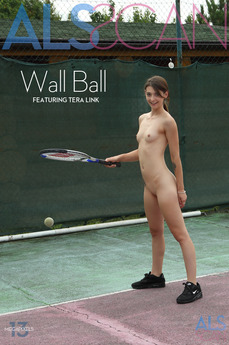ALS Scan - Tera Link - Wall Ball by Als Photographer