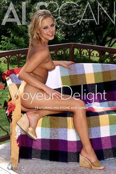 Voyeur Delight