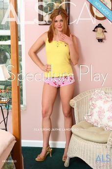 Speculum Play