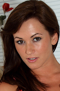 Tess Lyndon