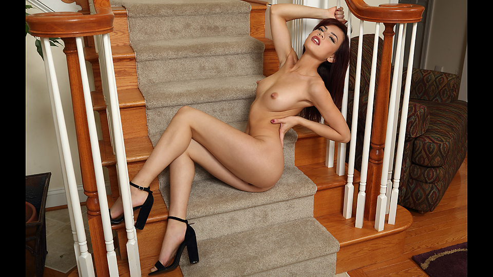 NEW MODEL SABINA ROUGE - ANGEL DESCENDING