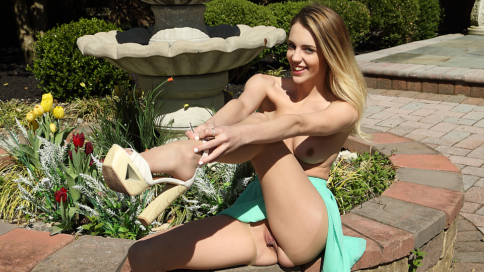 Blake Eden - Pantyhose and Pulling